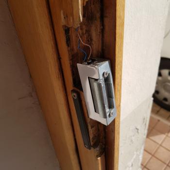 Câblage de la gâche électrique